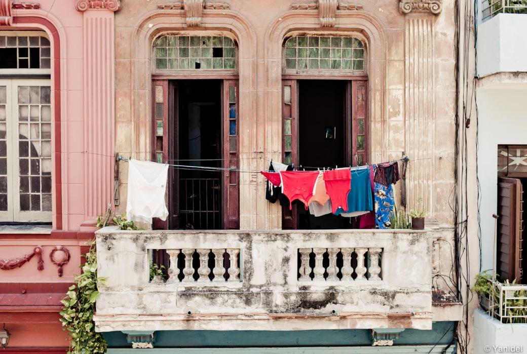 Cuba-Casa-Particular-laundry-5